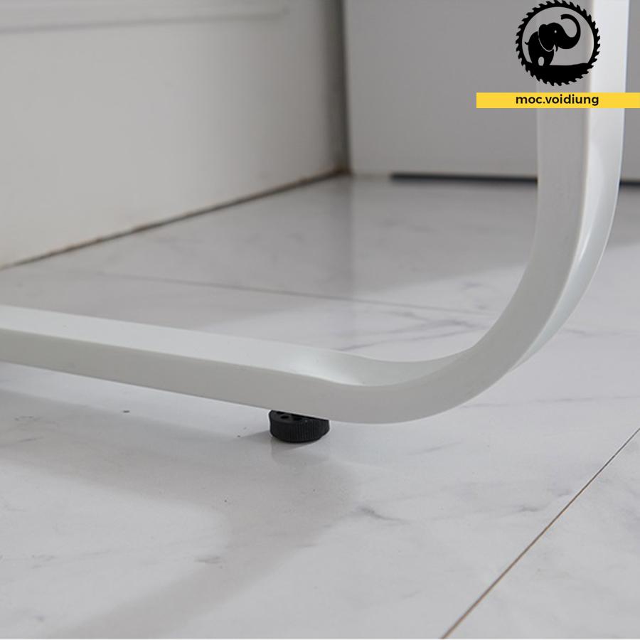 Khung chân sắt với núm tăng giảm độ cao giảm gây sát thương cho sàn nhà