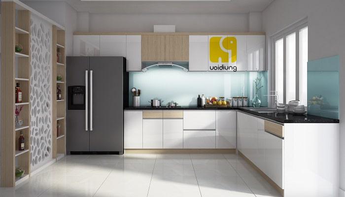 Tủ bếp thiết kế độc đáo, gắn liền với không gian của nhà bếp.